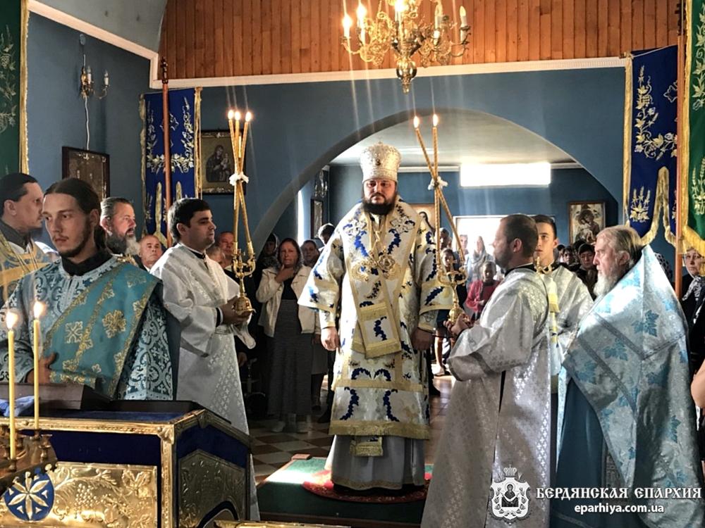 В неделю перед Воздвижением архиепископ Ефрем совершил богослужение в старейшей обители Хустской епархии