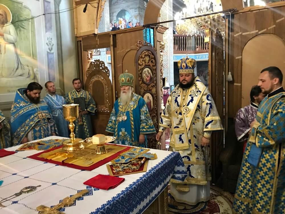 Бердянский Архипастырь сослужил митрополиту Марку в Рождество-Богородичном Липчанском женском монастыре Хустской епархии