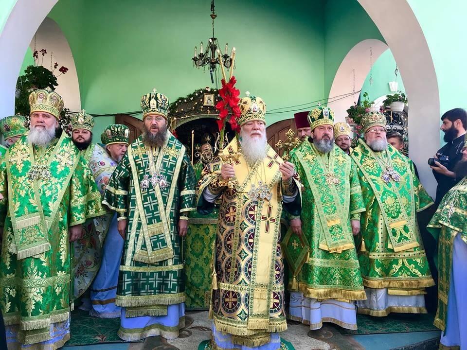 Управляющий Бердянской епархией принял участие в праздновании 10-летия со дня прославления в лике святых преподобного Иова Угольского