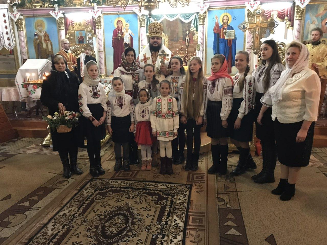 В день своего 40-летия Архиепископ Ефрем совершил торжественное богослужение в родном храме на Закарпатье