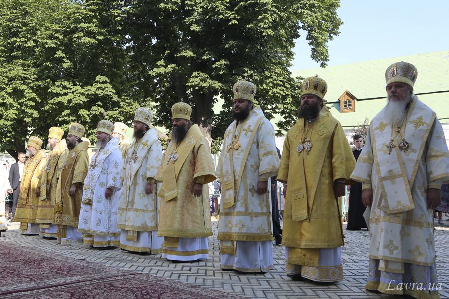 Архиепископ Ефрем принял участие в торжественных богослужениях, посвященных празднику Крещения Руси