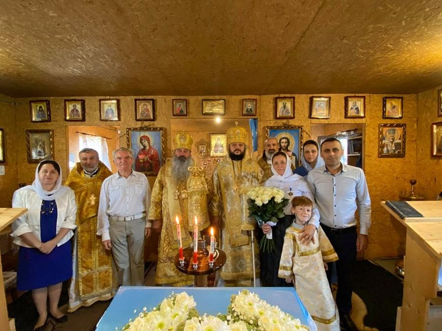 Архиепископ Ефрем совершил богослужение в храме святых жен-мироносиц в пгт.Буштино, Хустской епархии