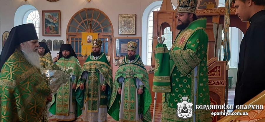 Священноархимандрит Амвросиевской мужской обители г.Токмак возглавил престольное торжество в монастыре