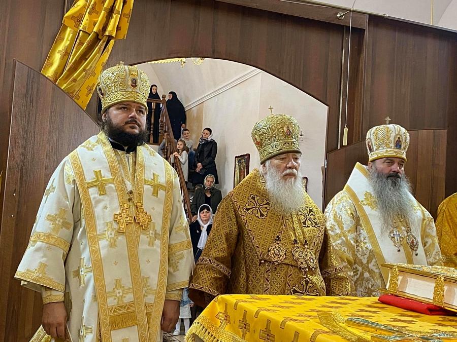 Архиепископ Ефрем принял участие в освящении нового храма в старинном Троицком Городиловском монастыре