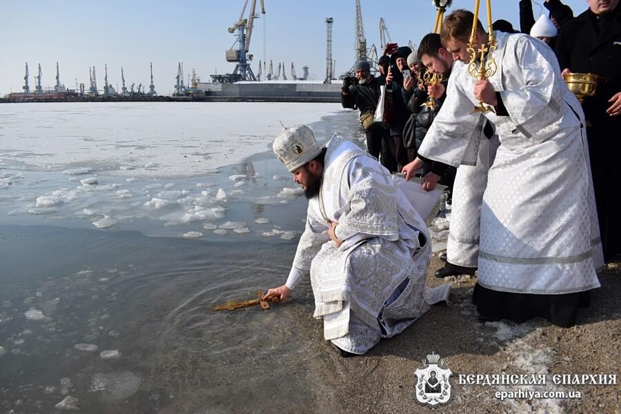 Правящий Архиерей совершил освящение вод Азовского моря