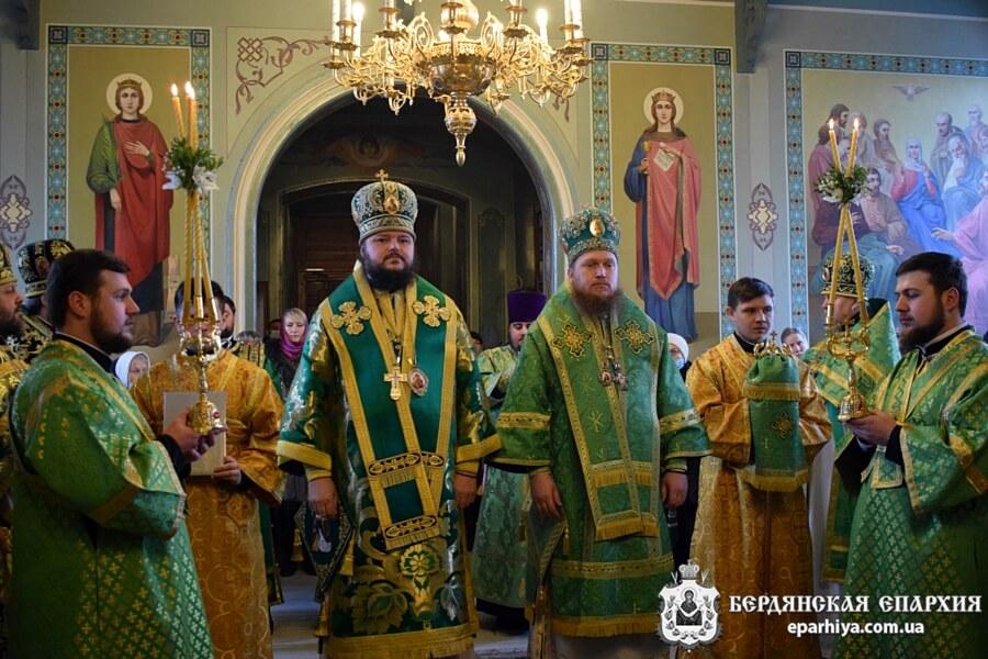 Архиепископ Бердянский и Приморский Ефрем молитвенно отметил День тезоименитства
